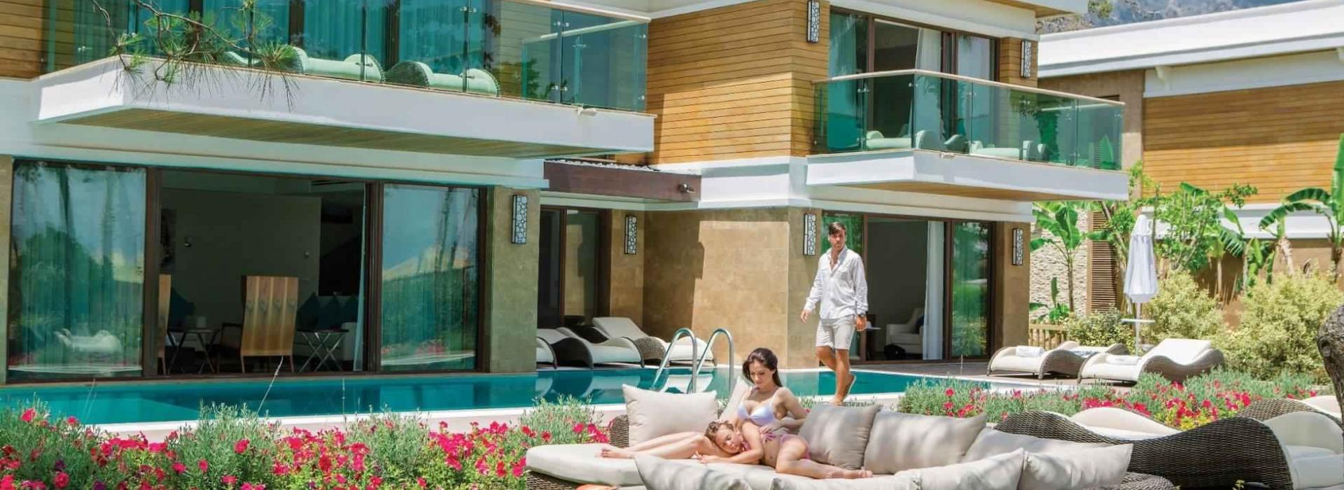 Nirvana Lagoon Luxury 5*